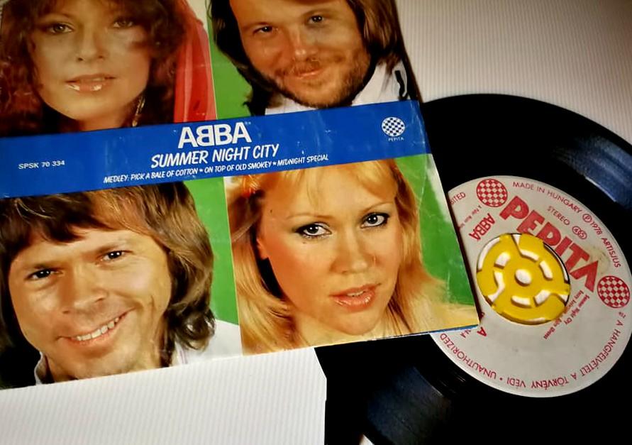 Mamma Mia – miért is voltak stílusikonok és igazi újítók az ABBA tagjai?